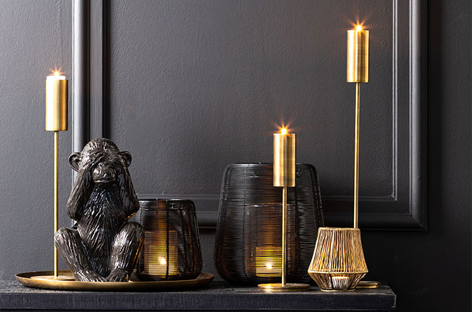 Mysterious Black - The perfect trend to bring minimalism and a refreshing feel to your home.